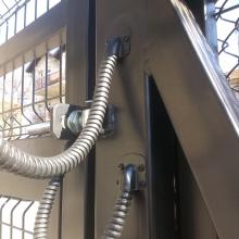 Двукрила портална врата с автоматика